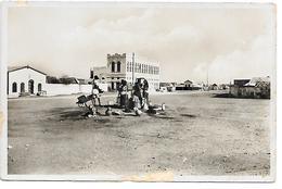 CARTE PHOTO - DJIBOUTI - GRANDE PLACE DU VILLAGE INDIGENE  -  -  B317 - Djibouti