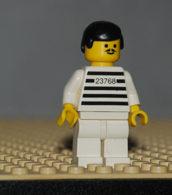Lego Personnage Jailbreak Joe Maillot Raye Avec Numero  Jambes Blanches Ref Jail002 - Lego Technic
