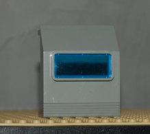 Lego Panneau Gris 3 X 6 X 6 Incliné Avec Fenêtre Bleu Ref 30288 - Lego Technic