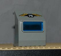 Lego Lego Panneau Gris 3 X 6 X 6 Incline Avec Fenêtre Bleu Avec Sticker 75 Et Rayures Jaunes Ref 30288pb04 - Lego Technic