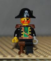Lego Personnage Capitaine Barbe Rouge Avec Chapeau De Pirate Crane Main Crochet Et Jambe De Bois Ref Pi055 - Lego Technic