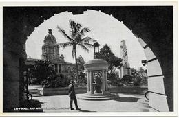 REAL PHOTO - DURBAN - CITY HALL & WAR MEMORIAL  -  B323 - South Africa
