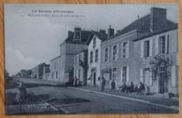 85 : Bournezeau - Route De La Roche-sur-Yon - Animée : Petite Animation - Pharmacie - (n°13329) - Francia