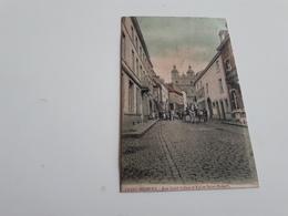 SAINT-HUBERT  Rue Saint-Gilles Et Eglise Saint-Hubert Couleur Oblitéré En 1906 Belle Animation - Saint-Hubert