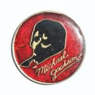 Pin's MICKAEL JACKSON - Portrait Du Chanteur - H418 - Celebrities