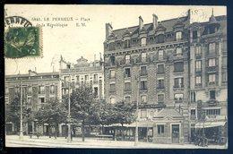 Cpa Du 94 Le Perreux Place De La République   SEPT18-41 - Le Perreux Sur Marne