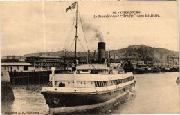 CPA Cherbourg- Le Transatlantique Traffic Dans Le Jetées, SHIPS (763420) - Steamers