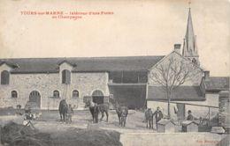 51-TOURS SUR MARNE-INTERIEUR D UNE FERME-CHEVAUX-N°R2044-B/0311 - Autres Communes