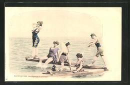AK Baigneuses, La Planche à Plonger, Junge Frauen Am Meer - Moda