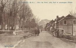 64)  LARUNS  - Rue Du Port Côté Sud Et Montagne D' Aste - Laruns