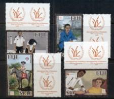 Fiji 2011 Intl. Year Of The Volunteer MUH - Fiji (1970-...)