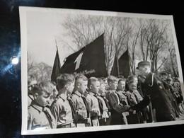 FOTO TREUEGELOBNIS DER JUNGSTEN GEFOLGSCHAFT DES FUHRERS 1942   FOTO DE PRESSE Brian L Davis Archive - Scouting