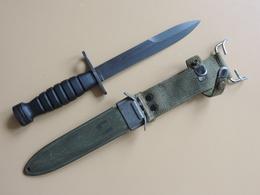 Baïonnette USM4 CASE à Poignée Caoutchouc, US WW2 Et Corée. - Armes Blanches