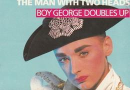 Rare Ancienne  Cp  Pop Culture Années 80  Boy George Doubles Up - Objets Dérivés