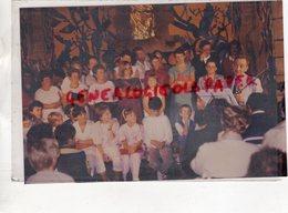 23- AZERABLES- L' ENSEMBLE INSTRUMENTAL CHORAL DIRIGE PAR RENE DESVILLETTES A SOUS PARSAT- RARE PHOTO ORIGINALE 1987 - Lieux