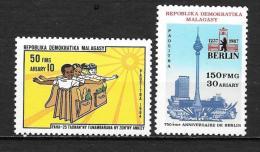 1984 - N° 728 + 829**MNH -  Droits De L'enfant - 750 Ans Berlin - Madagascar (1960-...)