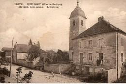 80. CPA. BRUSSEY.  Maison Commune, L'église.  1933. - Autres Communes