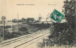 MONTEPLAIN - L'ancien Château, Passage Du Train. - Autres Communes