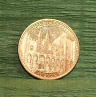 Avignon (84) - Palais Des Papes - Médailles & Patrimoine 2012 - Tourist