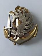 Insigne De Béret - R P I M A - Parachutistes - Troupe De Marine - DELSART - - Army & War