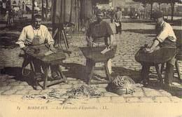 [33] Gironde > BORDEAUX - REPRODUCTION De C P A-- Les Fabricants D'espadrilles (chaussures)-- *PRIX FIXE - Bordeaux