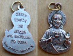 Médal-075 Médaille Du Sacré Coeur (buste) Gravée Au Dos COEUR Sacré De Jésus,j'ai Confiance En Vous - Religion & Esotérisme
