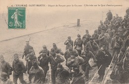 A L'ILE DE RE- SAINT MARTIN - LE DEPART DES FORCATS POUR LA GUYANNE - L'ARRIVEE SUR LE QUAI D'EMBARQUEMENT - - Bagne & Bagnards