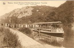 Le Bateau à WAULSORT - Embarcadère  - Bateau Dinant-Waulsort-Hastière-Heer-Agimont Touristes - Hastière
