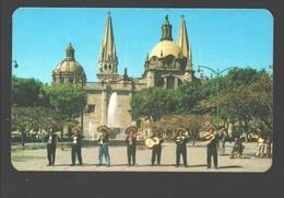 Guadalajara - Mariachis Tipicos Frente A La Catedral - Animacion - Costumes - Mexico