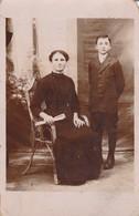 Photographie : Carte Photo : ( Famille : 1915  François Et Céline ) : SAINT-UZE- Drome - Photographie