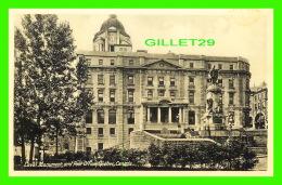 QUÉBEC - POST OFFICE AND LAVAL MONUMENT - NOVELTY MFG CO LTD - - Québec - La Cité