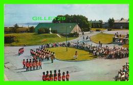QUÉBEC - LA VIEILLE GARDE ROYAL 22e RÉGIMENT - CIRCULÉE EN 1960 - LAVAL COUET - ÉMILE KIROUAC - - Québec - La Citadelle