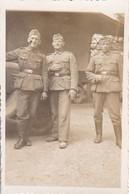 Foto 3 Deutsche Soldaten In Marle - Frankreich - Pfingsten 1941 - 8*5,5cm (36961) - Krieg, Militär