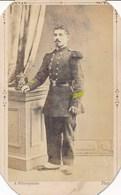 CDV Portrait Militaire En Pied - Grades Colorisés - Shako - Par A. Villeméjeanne à Avignon (Ca 1865/1870) - Guerra, Militari