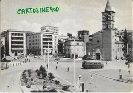 Lazio-viterbo Piazza Dei Caduti Veduta Chiesa Giardini Benzinaio Auto Corriera Persone Negozi Giornalaio Animata - Italia