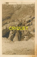 Scoutisme, Photo-carte D'un Groupe De Scouts Et De Civils Devant Des Rochers, N° 2 - Scoutisme