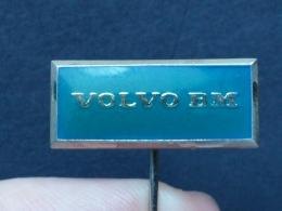 Z 199 - VOLVO, AUTO, CAR - Pins