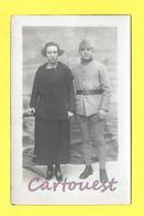 PHOTOGRAPHIE Décor Studio MILITAIRE Avec Sa Femme   1914 - Krieg, Militär
