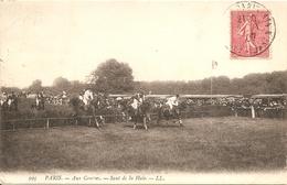 Sports- Hippisme - Paris Aux Courses - Saut De Haie ( Tampon Au Verso ) Réf 4996 - Horse Show