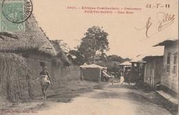 CPA   DAHOMEY AFRIQUE OCCIDENTALE PORTO NOVO UNE RUE - Dahomey