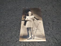 ANTIQUE NO POSTCARD PHOTO SHIRLEY TEMPLE WITH LOVE ADVERTISING CARD - Acteurs