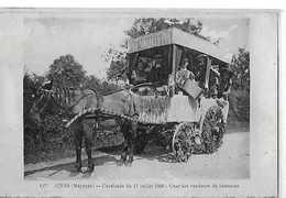 QUELAINES  CAVALCADE 11 JUILLET 1920 CHAR DES VENDEURS DE CHANSONS  Defauts Papier 2 Choix   DEPT 53 - Frankreich