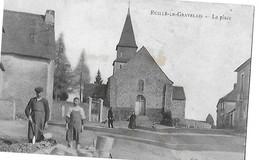 RUILLE LE GRAVELAIS  LA PLACE  PERSONNAGES  2 HOMME EN ACTION 1 PLAN Petit Defaut Haut      DEPT 53 - France