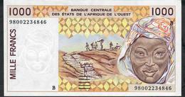 W.A.S. BENIN P211Bi 1000 FRANCS (19)98 Signature 28  AU 1 Discret Central Vertical Fold - Benin