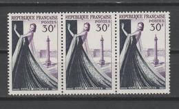 """FRANCE / 1953 / Y&T N° 941 ** : """"Métiers D'art"""" (Haute Couture) X 3 En Bande - Gomme D'origine Intacte - France"""