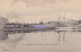 """CPA  De LA PALLICE   (17) -   Le SOUS MARIN """" WATT """" Dans Le BASSIN N° 43 - R.B.L.R.  -P - La Rochelle"""