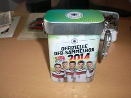 Tin Box  Deutscher Fussball Bund Ofizielle DFB Sammelbox 2014 - Habillement, Souvenirs & Autres