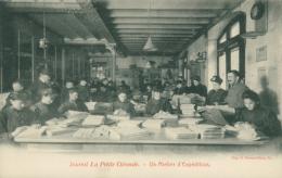33 BORDEAUX / Journal La Petite Gironde _ Un Atelier D'Expédition / - Bordeaux