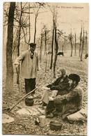 CPA LA VIE AU CHAMPS Couple 1905 - Fantaisies