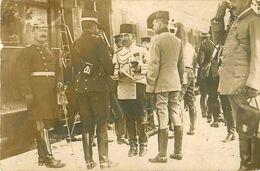 """Cpa Carte Photo Postée D"""" ANGOULEME 16 - Délégation Officiers Attachés Militaires  1907 ( Manoeuvres ? ) - Personen"""